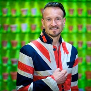Simon Lycett – Anyone can help in Greening Grey Britain!